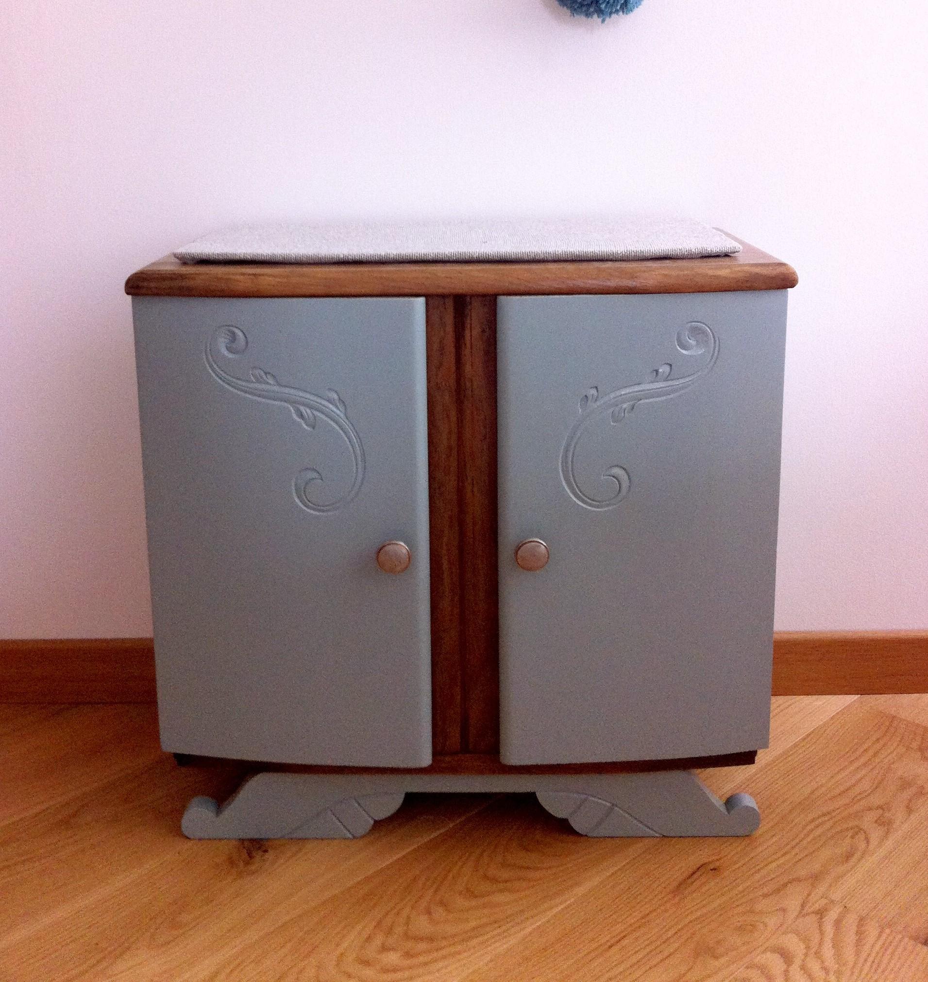 chevet vintage emile. Black Bedroom Furniture Sets. Home Design Ideas