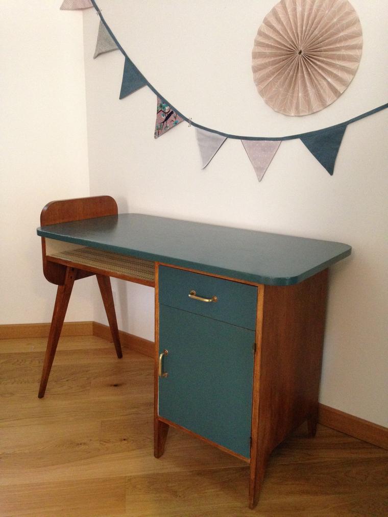bureau vintage arthur. Black Bedroom Furniture Sets. Home Design Ideas