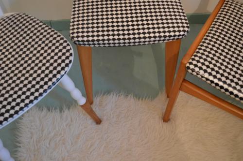 chaises vintage imprimé noir et blanc 3