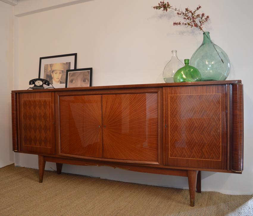 buffet vintage marcelino avant relooking. Black Bedroom Furniture Sets. Home Design Ideas