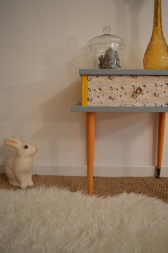 chevet vintage pernelle restauration de meubles vintage nantes. Black Bedroom Furniture Sets. Home Design Ideas