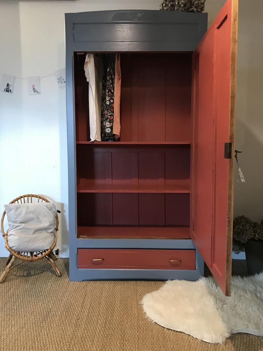 armoire vintage lilirose relooking de meubles par lilibroc. Black Bedroom Furniture Sets. Home Design Ideas
