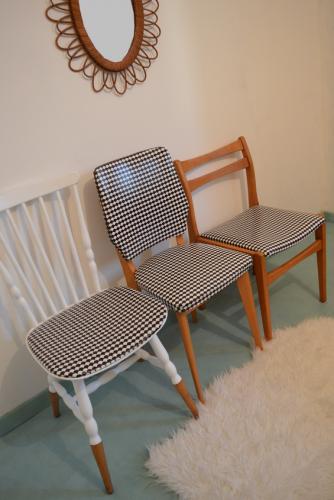 chaises vintage imprimé noir et blanc 1