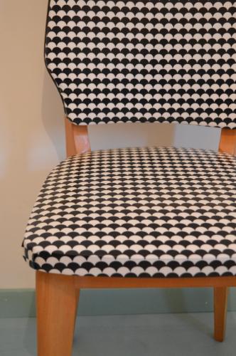 chaises vintage  noir et blanc 6